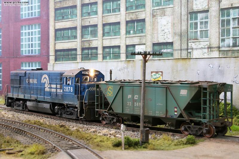 Ho Train Sidings Long Ho Train Entering A Siding On Bad
